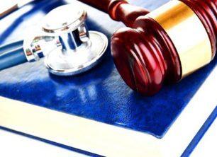 Responsabilità dell'operatore sanitario davanti alla Corte dei Conti:  anche le società private che operano nel settore sanitario e al personale medico investito dell'erogazione del servizio pubblico di cura e assistenza ai malati